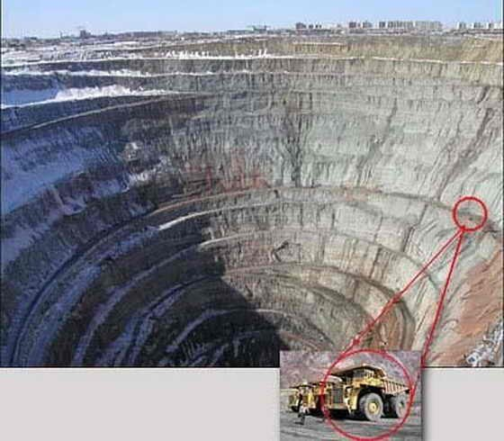 1495415_biggest-holes-on-earth-5