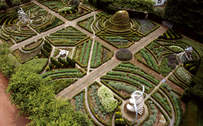 ouse129261811927812500_08_dna-garden-landscape