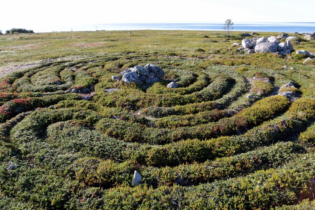 Labyrinths-Bolshoi-Zayatsky-Island11