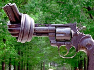 knotted-gun-sculpture-at-the-united-nations