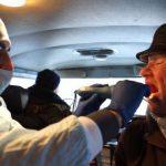 Budúci lekár lieči bezplatne bezdomovcov na uliciach Čeljabinska