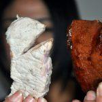 Ako sa v Číne falšuje mäso: kuracie mäso sa po 1,5 hodine zmení na hovädzie