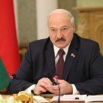Alexander Lukašenko porovnal počet obetí koronavírusu a alkoholizmu